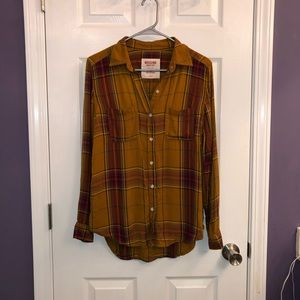 Mossimo small button down boyfriend shirt